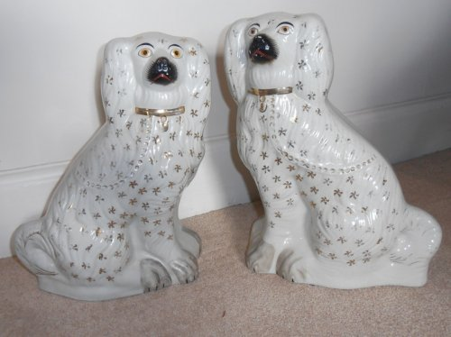 Pair Of Staffordshire Pottery Spaniels Late 19thc